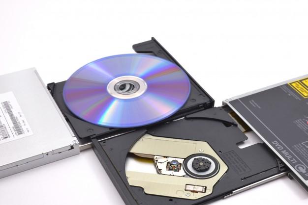 ネガをデータ化したら保存はCDとDVDどっちがいい?